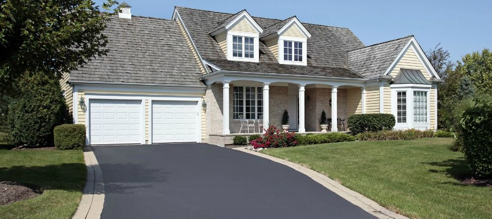 Signs That You Should Seal Your Concrete Driveway Seal
